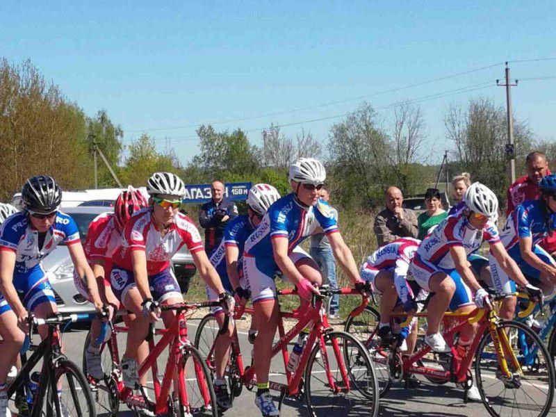 Дуэты победителей чемпионата России по велоспорту-тандем-шоссе показали одинаковое время