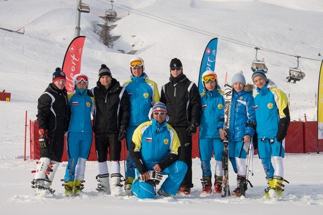 На втором этапе Кубка мира по горнолыжному спорту среди лиц с поражением опорно-двигательного аппарата и нарушением зрения российские спортсмены вновь завоевали первое общекомандное место