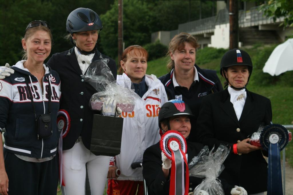 Россиянки Наталья Мартьянова и Марина Виноградова завоевали три награды на турнире по конному спорту во Франции
