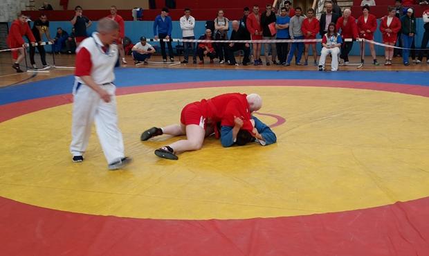 Определены победители чемпионата России по самбо спорта слепых