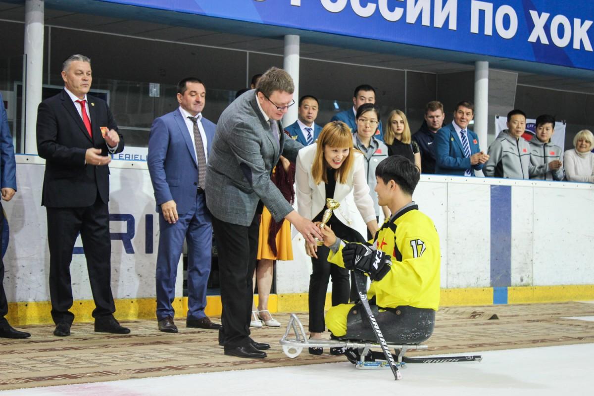 А.А. Строкин в г. Оренбурге принял участие в церемониях награждения и закрытия Открытого турнира по следж-хоккею «Кубок вызова, вперед на лед!»