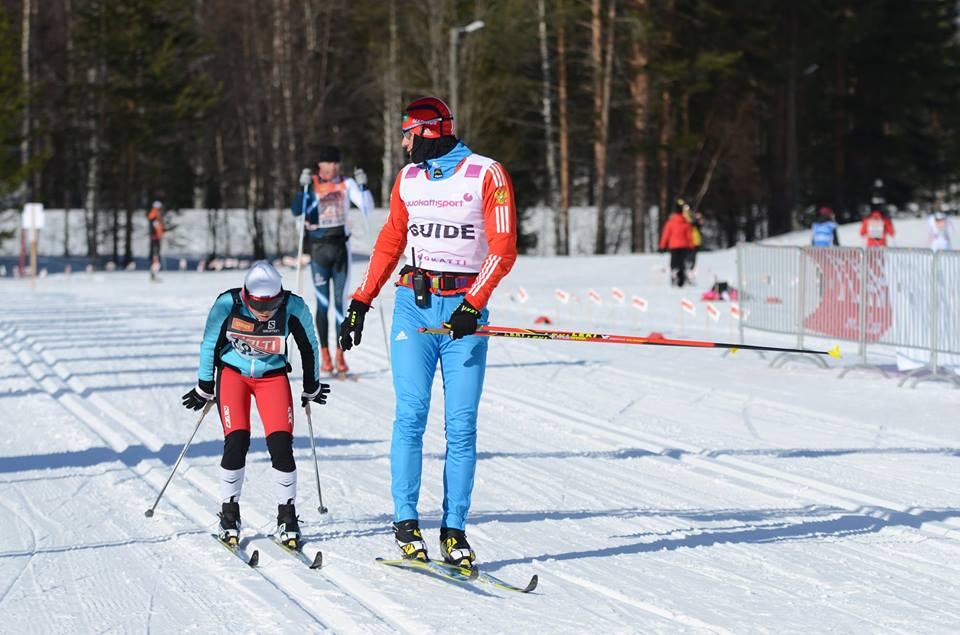 Российские лыжники Елена Ремизова и Владислав Лекомцев завоевали золотые медали в марафоне на этапе Кубка мира IPC в Финляндии