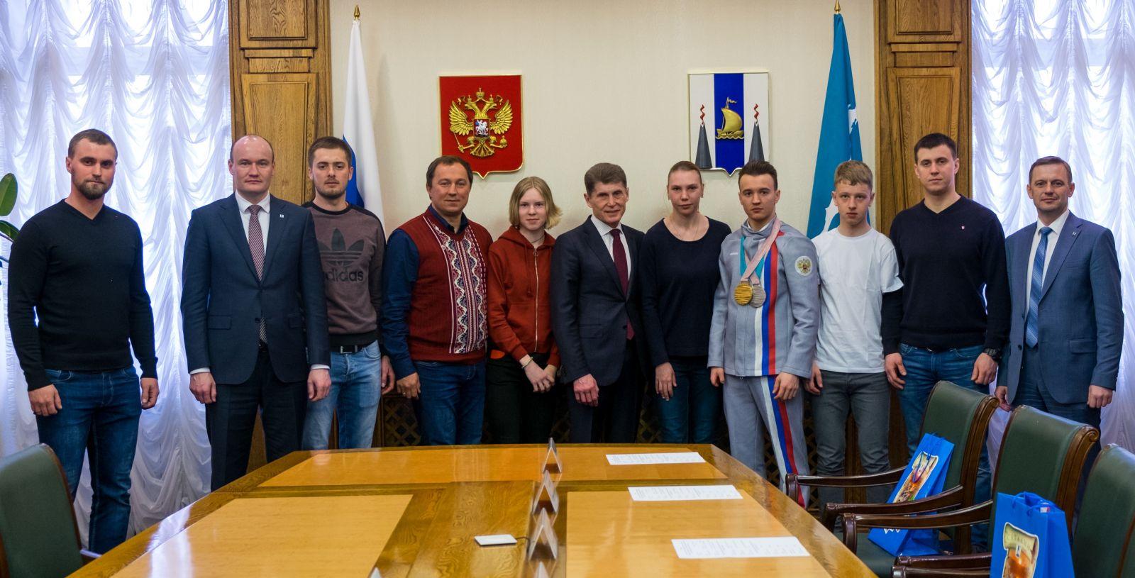 Губернатор Сахалинской области О.Н. Кожемяко встретился со сборной командой России по горнолыжному спорту лиц с ПОДА