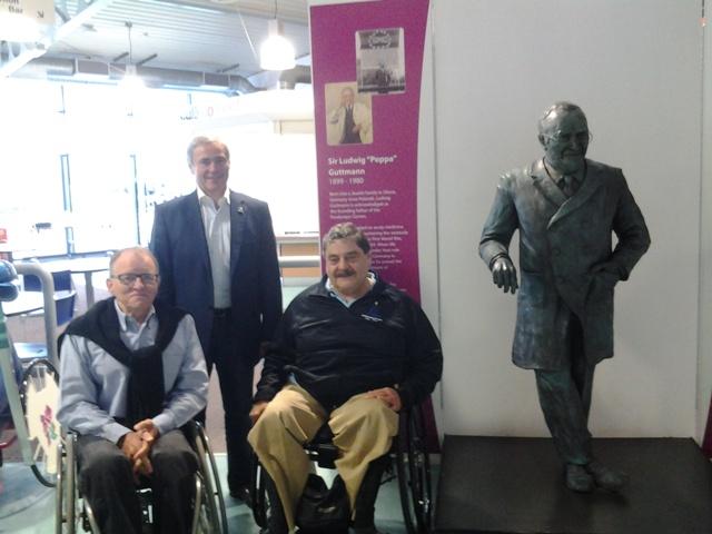 В г. Сток-Мандевиле (Великобритания) состоялась встреча П. А. Рожкова  и президента  Международной спортивной федерации колясочников и ампутантов (IWAS) Пол де Паса