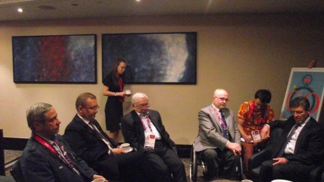 В Лондоне состоялась  деловая  встреча  заместителя Председателя  Правительства РФ,  руководителя Оргкомитета по обеспечению подготовки российских спортсменов для участия в Играх ХХХ Олимпиады и ХIV Паралимпийских летних играх 2012 года в г. Лондоне (Вели