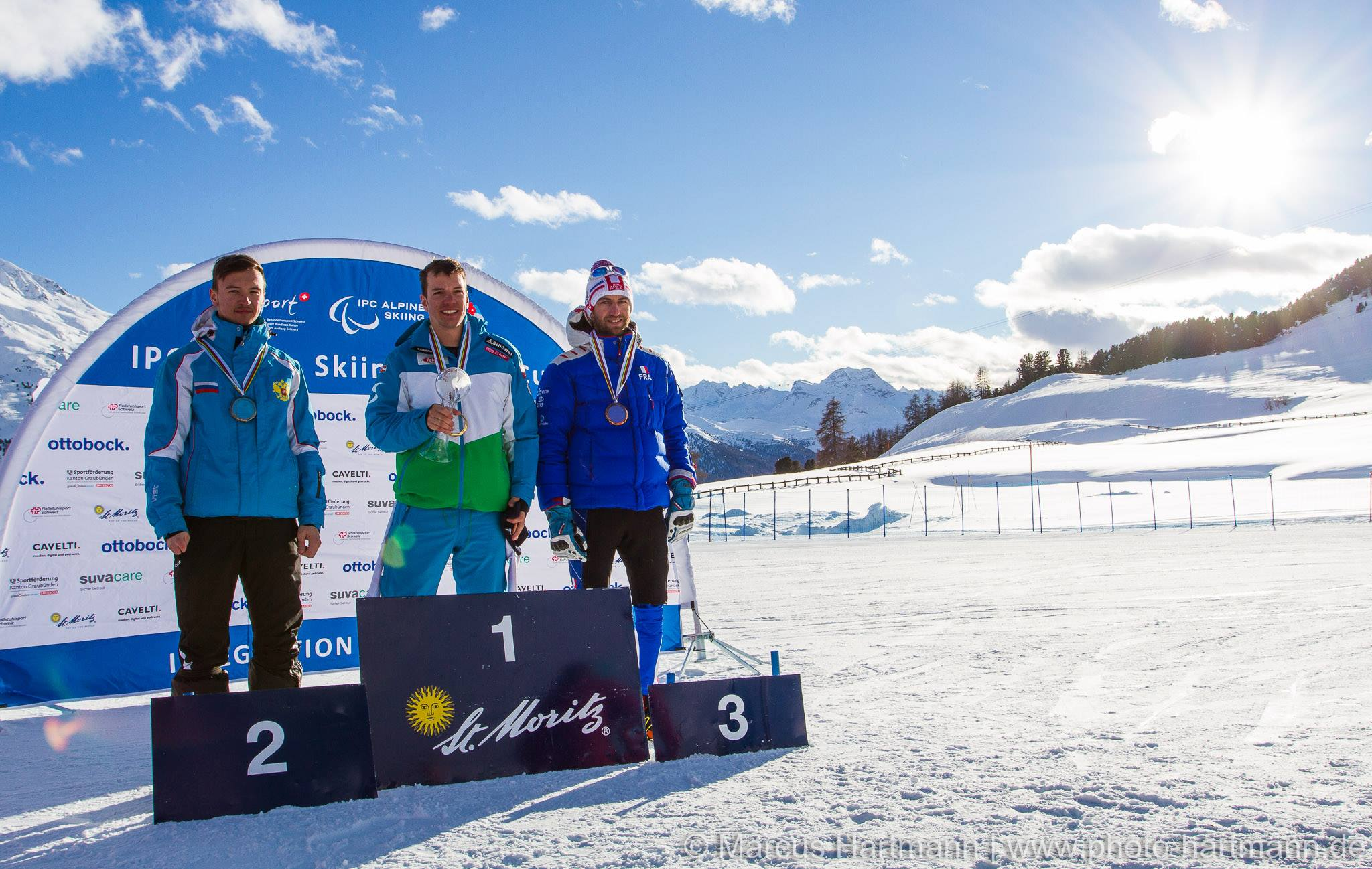 Сборная команда России по горнолыжному спорту среди спортсменов с ПОДА и нарушением зрения завоевала 4 медали в первый день 3-го этапа Кубка мира в Швейцарии