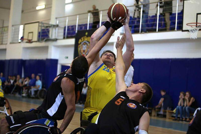8 команд встретятся в первом круге чемпионата России по баскетболу на колясках
