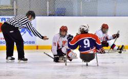 """Команда """"Югра"""" одержала третью победу кряду и сохранила лидерство в чемпионате России по хоккею-следж"""