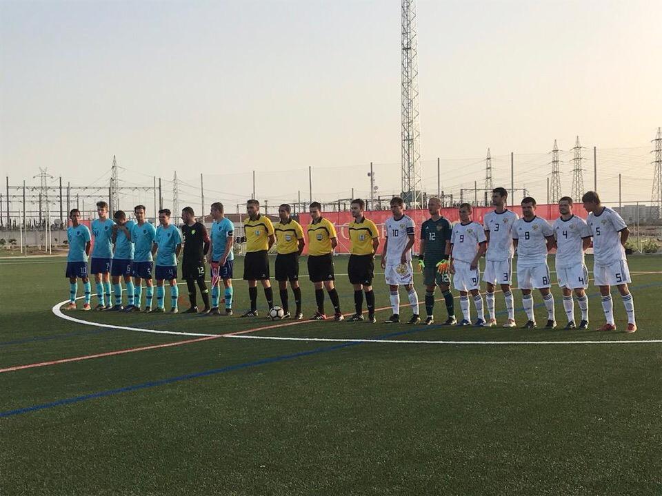 Сборная команда России встретится со сборной Аргентины в 1/4 финала чемпионата мира по футболу с ЦП в Испании