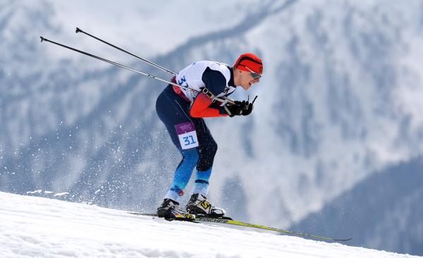 Николай Полухин завоевал серебряную награду в биатлоне на 12,5 км