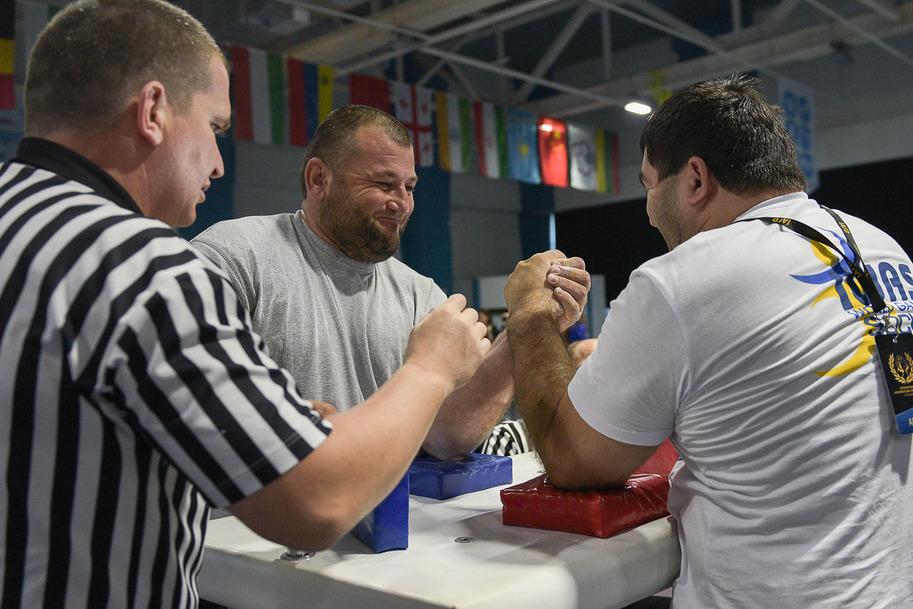 Российские спортсмены завоевали 8 золотых медалей, 6 серебряных и 5 бронзовых медалей в первый день Всемирных игр IWAS-2015 в Сочи