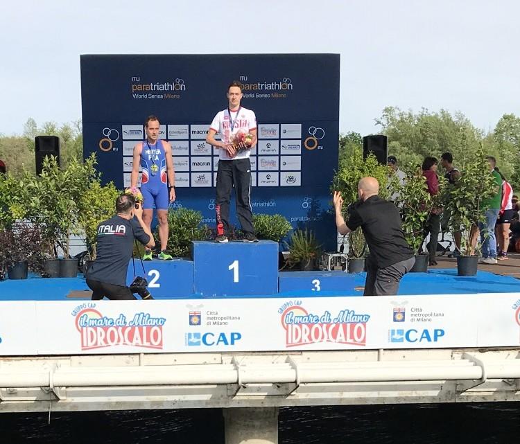 2 золотые медали завоевала сборная команда России по паратриатлону на международных соревнованиях в Италии