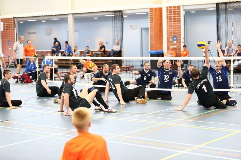 Мужская и женская сборные России по волейболу сидя триумфально выступили на международном турнире в Голландии