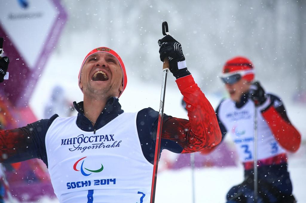 Российские лыжники с поражением опорно-двигательного аппарата, выступающие в категории сидя, Роман Петушков и Григорий Мурыгин завоевали золотую и серебряную медали в спринте