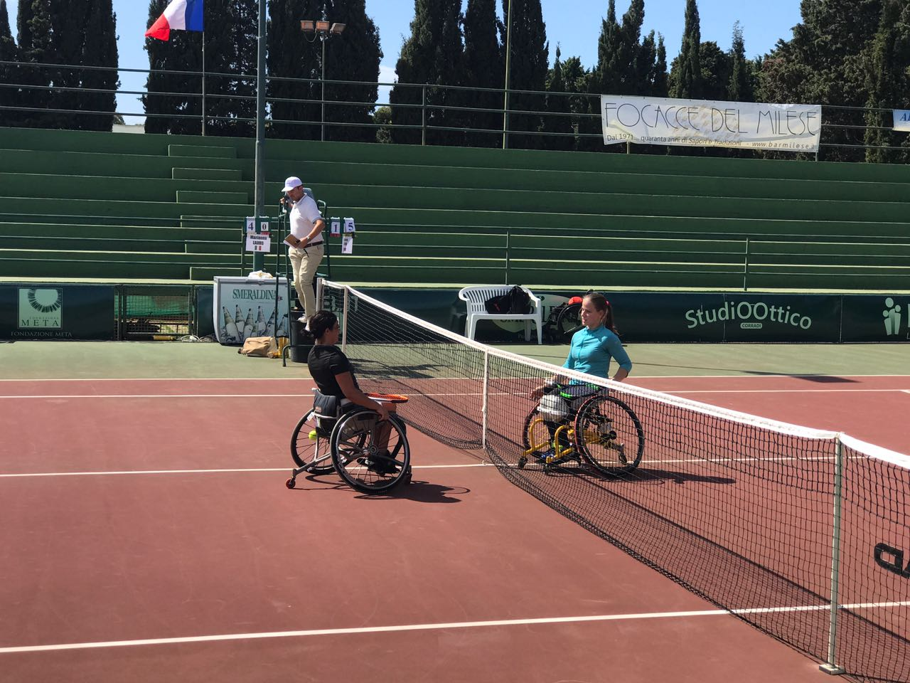 Россиянка Виктория Львова ведет борьбу за награды международных соревнований по теннису на колясках Sardinia Open в Италии