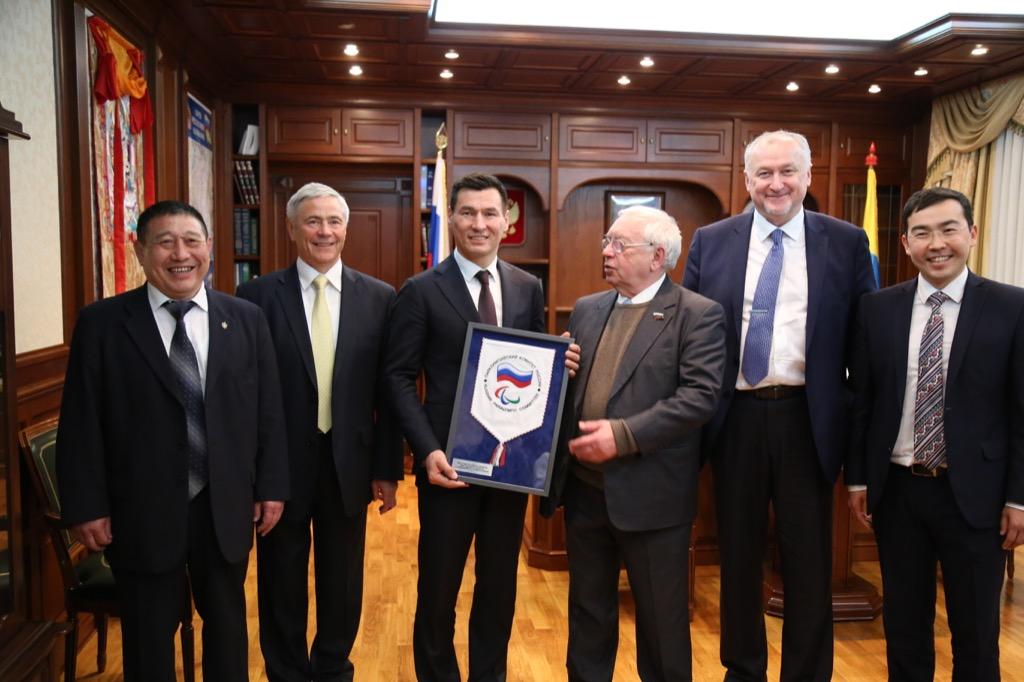 В г. Элисте состоялась встреча ВРИО Главы Республики Калмыкия Б.С. Хасикова с руководством ПКР