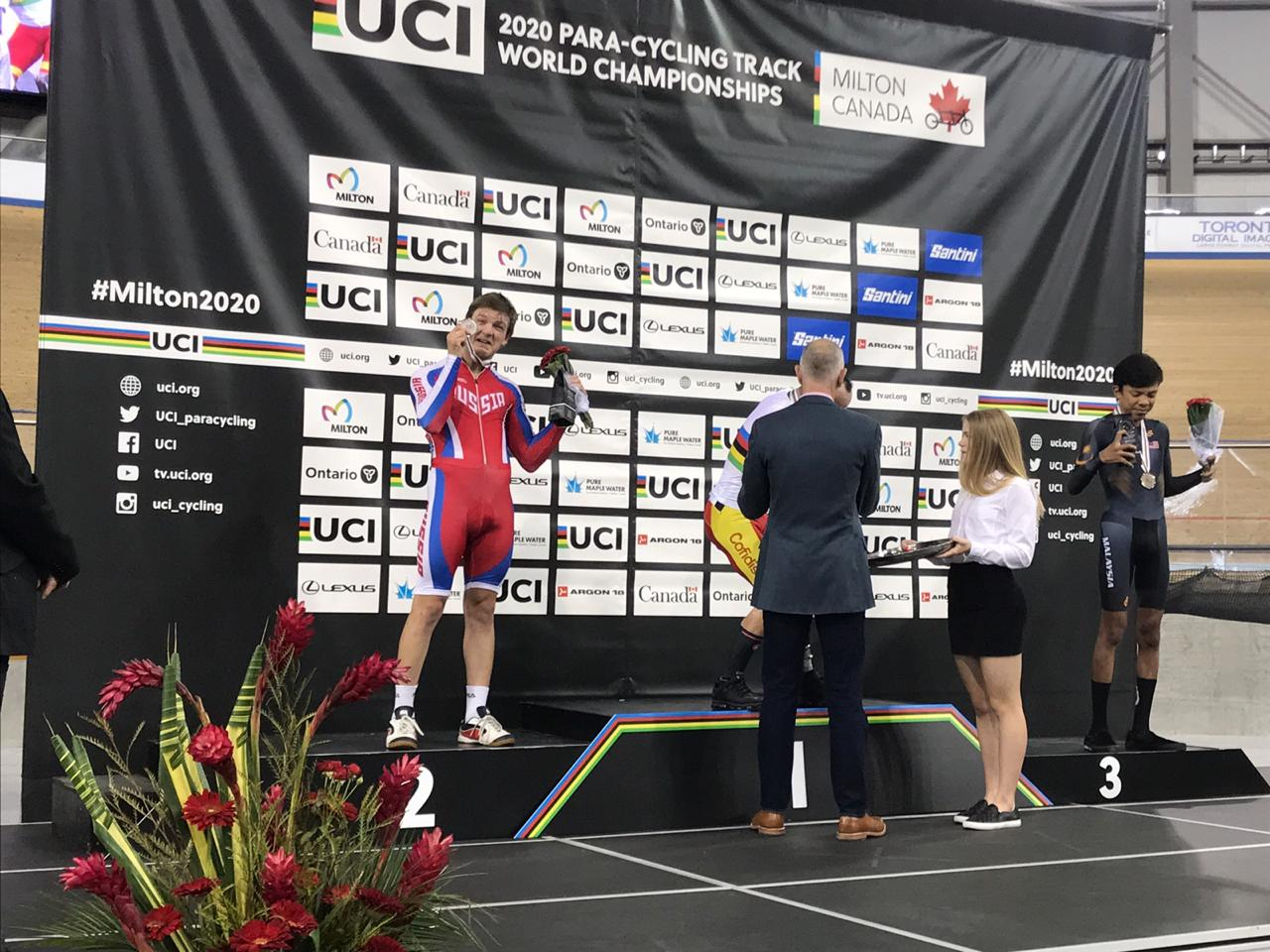 Иван Ермаков завоевал серебряную медаль в 3-й день чемпионата мира по велоспорту на треке спорта лиц с ПОДА и нарушением зрения в Канаде