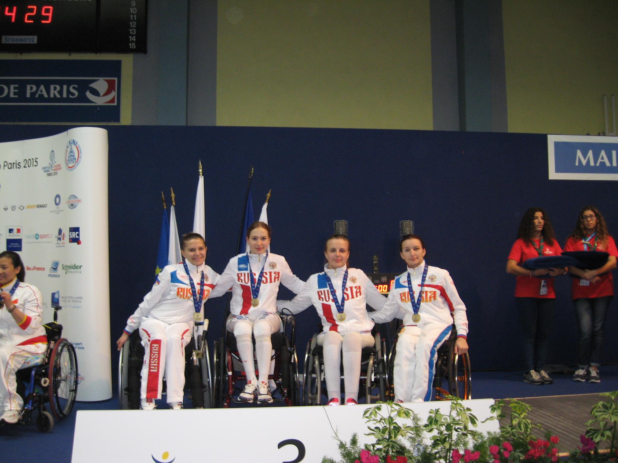 Российские фехтовальщики завоевали 1 серебряную медаль и 7 бронзовых наград на Кубке мира во Франции