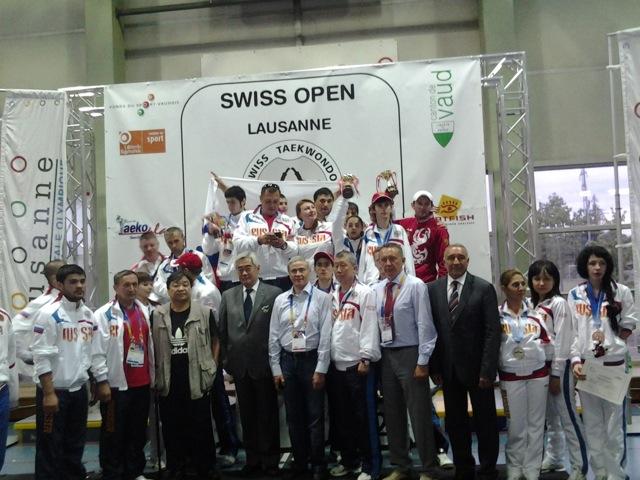 Сборная команда России по тхэквондо среди спортсменов с поражением опорно-двигательного аппарата на чемпионате мира в Швейцарии завоевала 4 золотых, 7 серебряных и 2 бронзовые медали. Российская мужская сборная заняла первое место среди национальных коман