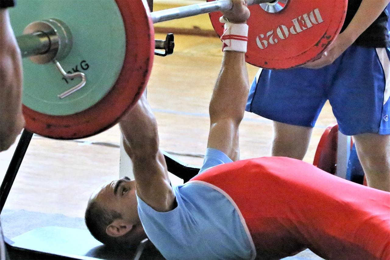 Сборная Свердловской области выиграла командный зачет среди мужчин на чемпионате России по пауэрлифтингу спорта лиц с ИН