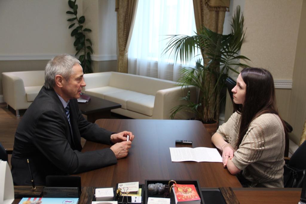 П.А. Рожков в офисе ПКР дал интервью корреспонденту Новой Газеты
