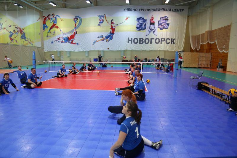 Мужская и женская сборные России по волейболу сидя поспорят за награды на международных соревнованиях в Голландии