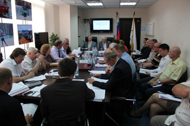 В офисе Паралимпийского  комитета России  (ПКР) состоялось заседание Исполкома ПКР под руководством президента ПКР  В. П. Лукина