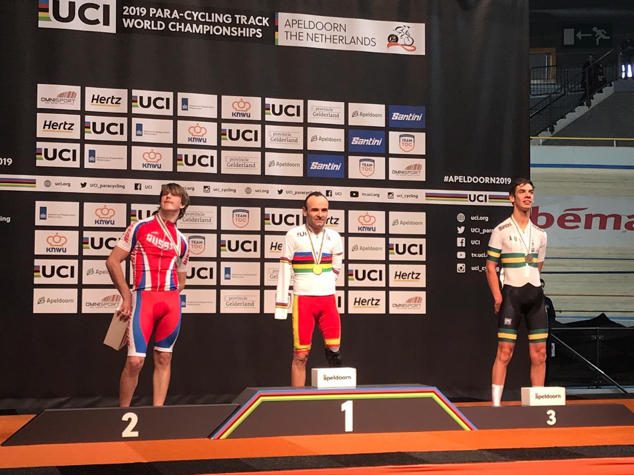 Иван Ермаков выиграл серебряную медаль в третий день чемпионата мира по велоспорту среди лиц с ПОДА и нарушением зрения в Нидерландах
