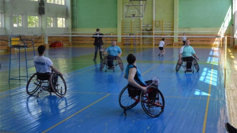Ведущие спортсмены страны на чемпионате России по парабадминтону ведут борьбу за право участия в чемпионате мира