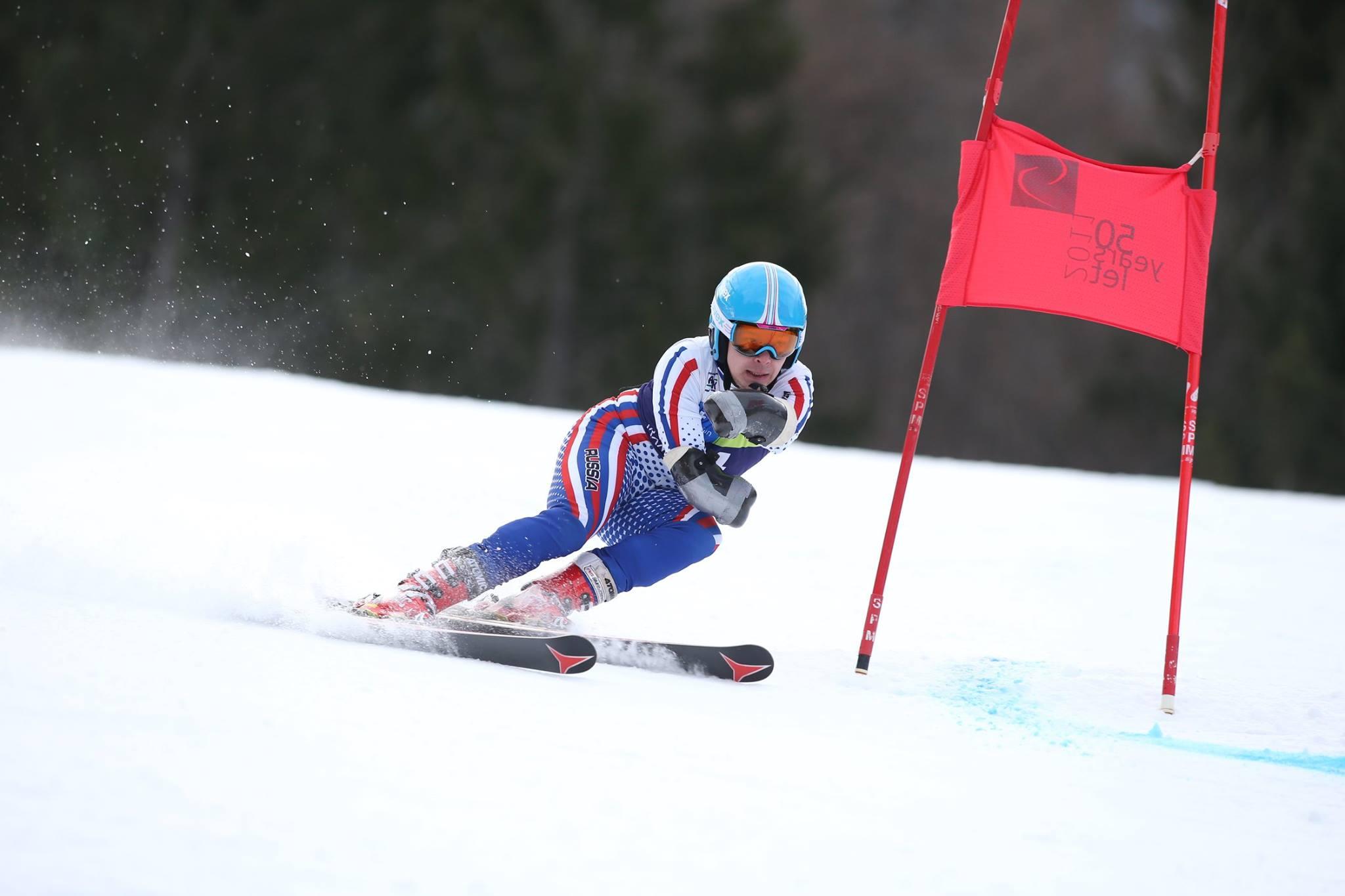 Российские спортсмены завоевали 3 золотые и 2 серебряные медали на этапе Кубка мира по горнолыжному спорту в Словении