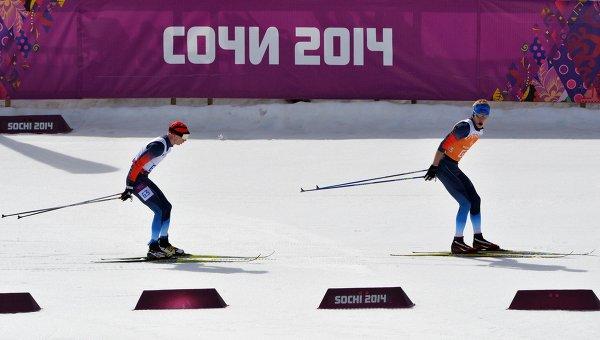 Российский спортсмен с нарушением зрения С. Чохлаев завоевал серебряную медаль в лыжных гонках на 20 км