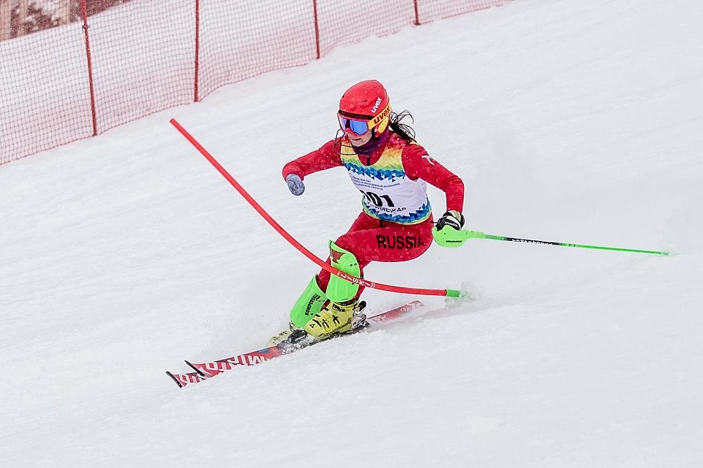 Российские спортсмены принимают участие в Кубке Европы и международных соревнованиях по горнолыжному спорту среди лиц с ПОДА и нарушением зрения в Австрии