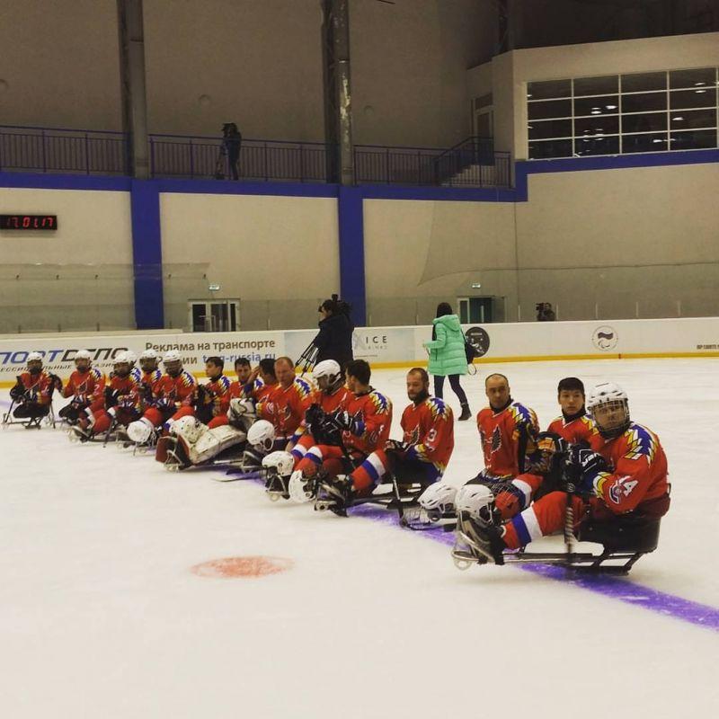 Команда «Феникс» в первый соревновательный день Кубка континента по хоккею-следж обыграла итальянский клуб «South Tirol Eagles»