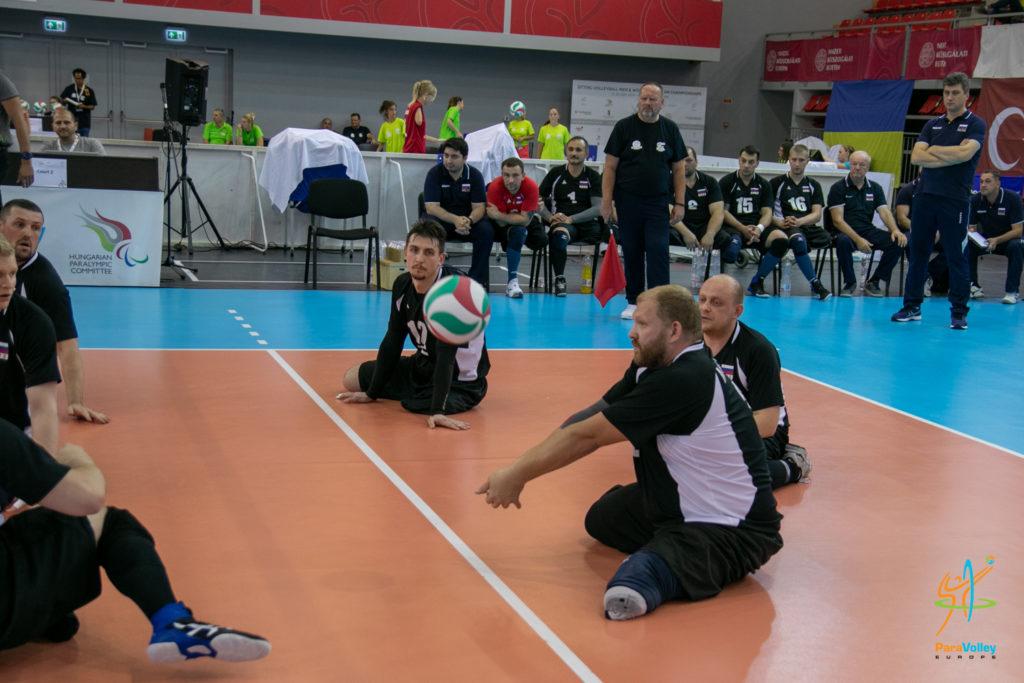 Сборные команды России по волейболу сидя вышли в финал чемпионата Европы в Венгрии