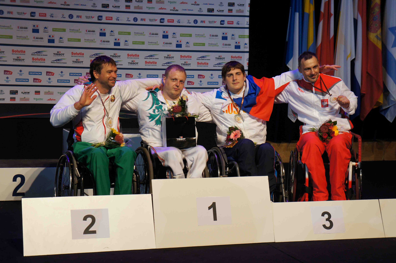 За третий и четвертый соревновательные дни сборная команда России завоевала 2 золотые, 4 серебряные и 5 бронзовых медалей на чемпионате Европы по фехтованию на колясках во Франции