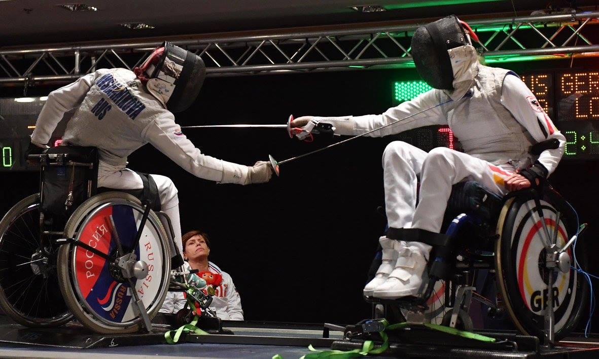 Сборная команда России по фехтованию на колясках завоевала 4 золотые, 5 серебряных и 10 бронзовых медалей по итогам четырех дней чемпионата мира в Италии