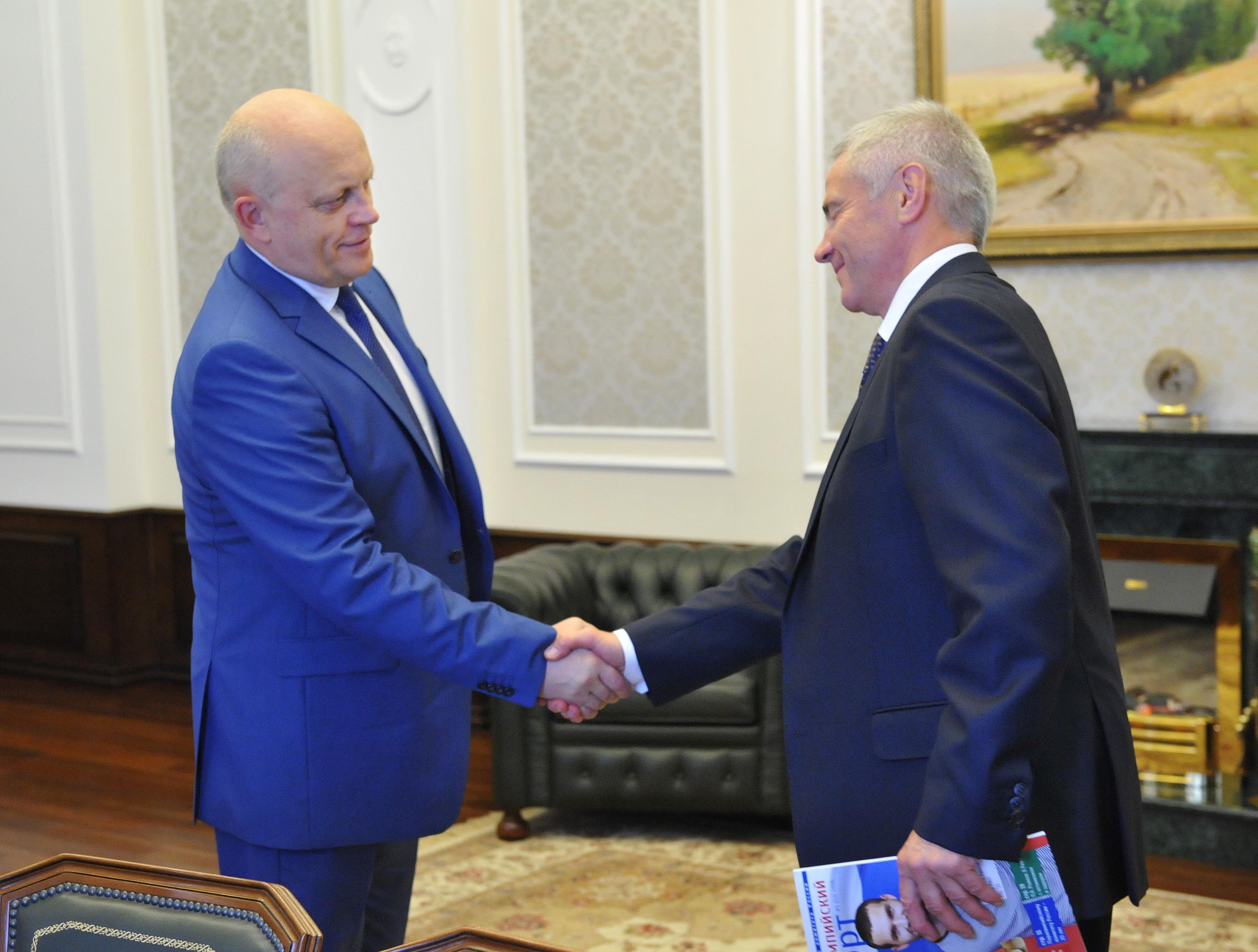 В г. Омске состоялась встреча П.А. Рожкова с Губернатором Омской области В.И. Назаровым