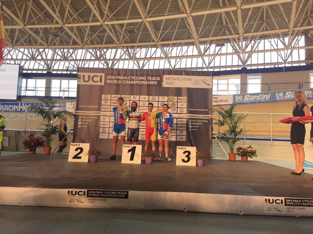 Алексей Обыденнов и Сергей Батуков завоевали серебро и бронзу на чемпионате мира по велоспорту в Италии
