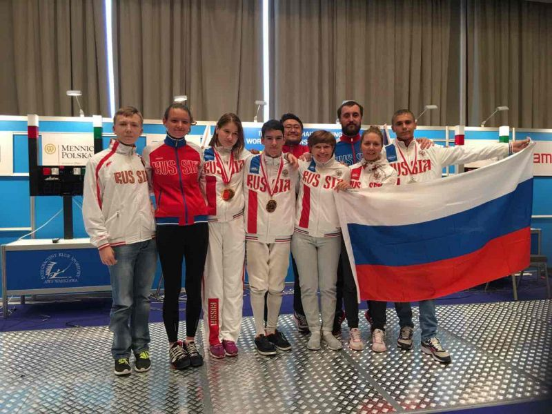 Россияне с огромным отрывом выиграли командный зачет первенства мира по фехтованию на колясках в Польше, завоевав 8 золотых медалей из 10 возможных