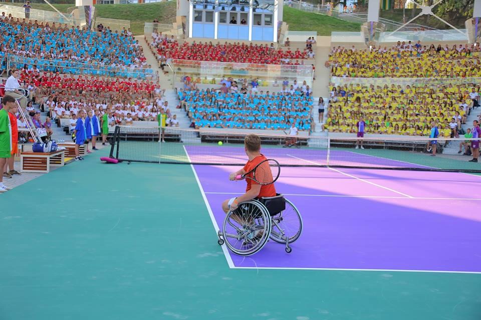 Спортсмены из 7 регионов России разыгрывают награды первенства России по теннису на колясках