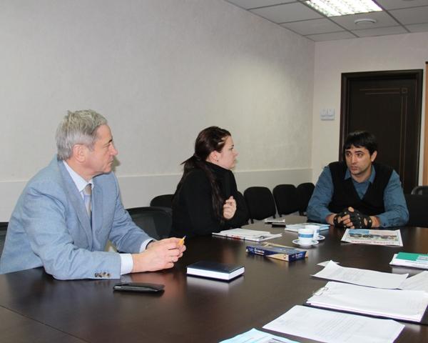 П.А. Рожков в офисе ПКР провел рабочую встречу с председателем  регионального отделения ПКР в Приморском крае А. С.  Моисеенко