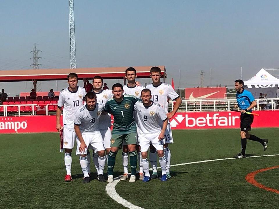 Сборная команда России по футболу с ЦП выиграла у Канады во втором матче чемпионата мира
