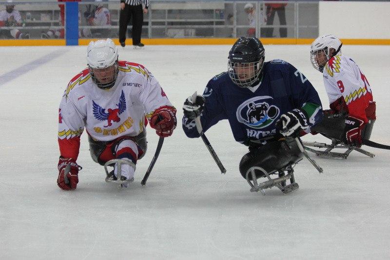 Команда «Югра» из Ханты-Мансийского автономного округа уверенно выиграла первый круг чемпионата России по следж-хоккею в Алексине