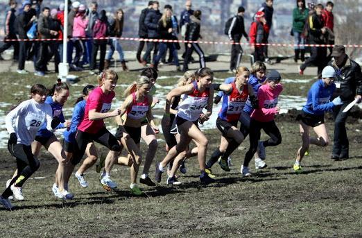 Спортсмены из 12 регионов принимают участие в первом чемпионате России по легкоатлетическому кроссу ЛИН в Нижегородской области