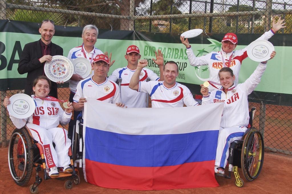 женская сборная команда России по теннису на колясках стала победителем Кубка мира в Турции. Мужская сборная заняла 4 место