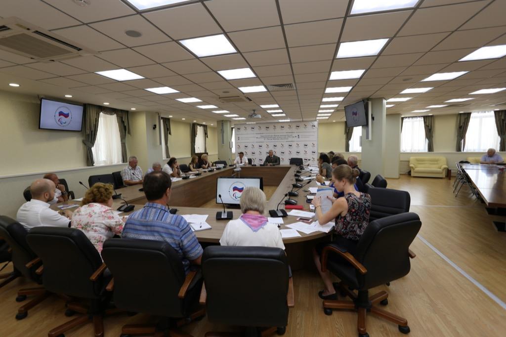 П.А. Рожков в зале Исполкома ПКР провел заседание Бюро Рабочей группы по подготовке сборных России к участию в Паралимпийских летних играх 2016 года