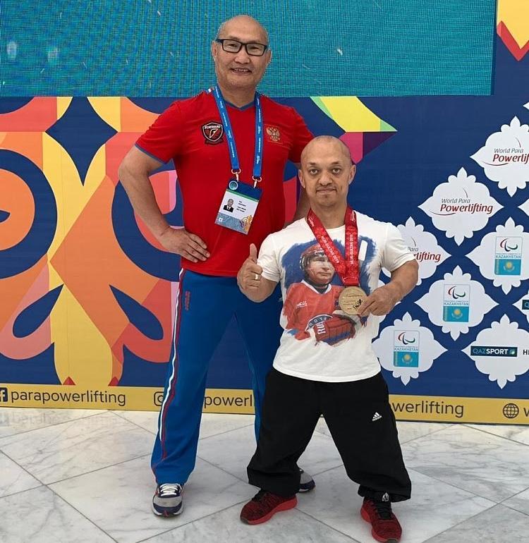 #тренимвместе с серебряным призером Паралимпийских игр по пауэрлифтингу спорта лиц с ПОДА Владимиром Балынец