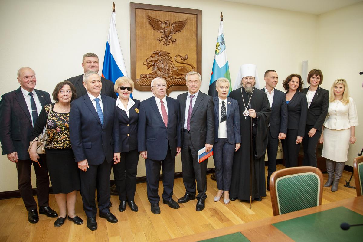 В г. Белгороде состоялась встреча Губернатора Белгородской области Е.С. Савченко с руководством ПКР