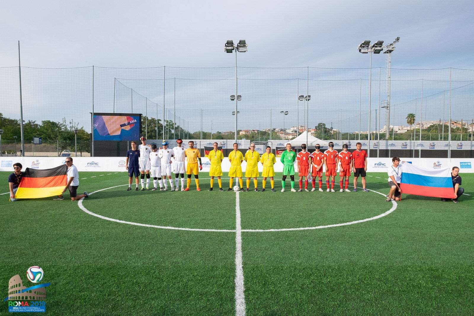 Сборная команда России по мини-футболу 5х5 класс В1 (тотально-слепые спортсмены) сыграла вничью со сборной Германии в заключительном матче группового этапа  чемпионата Европы в Италии