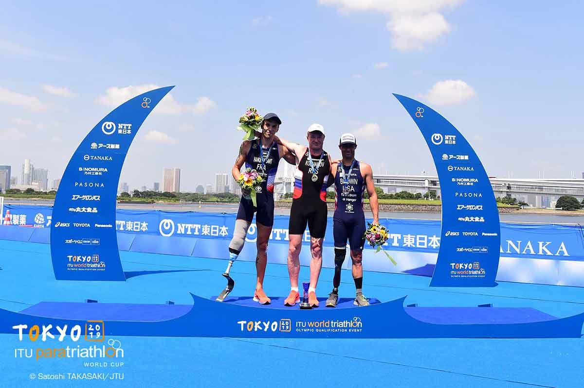Михаил Колмаков выиграл этап Кубка мира по паратриатлону в Японии, а Александр Ялчик стал 4-м